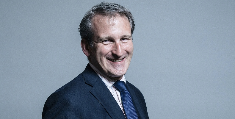 Official-portrait-of-Damian-Hinds