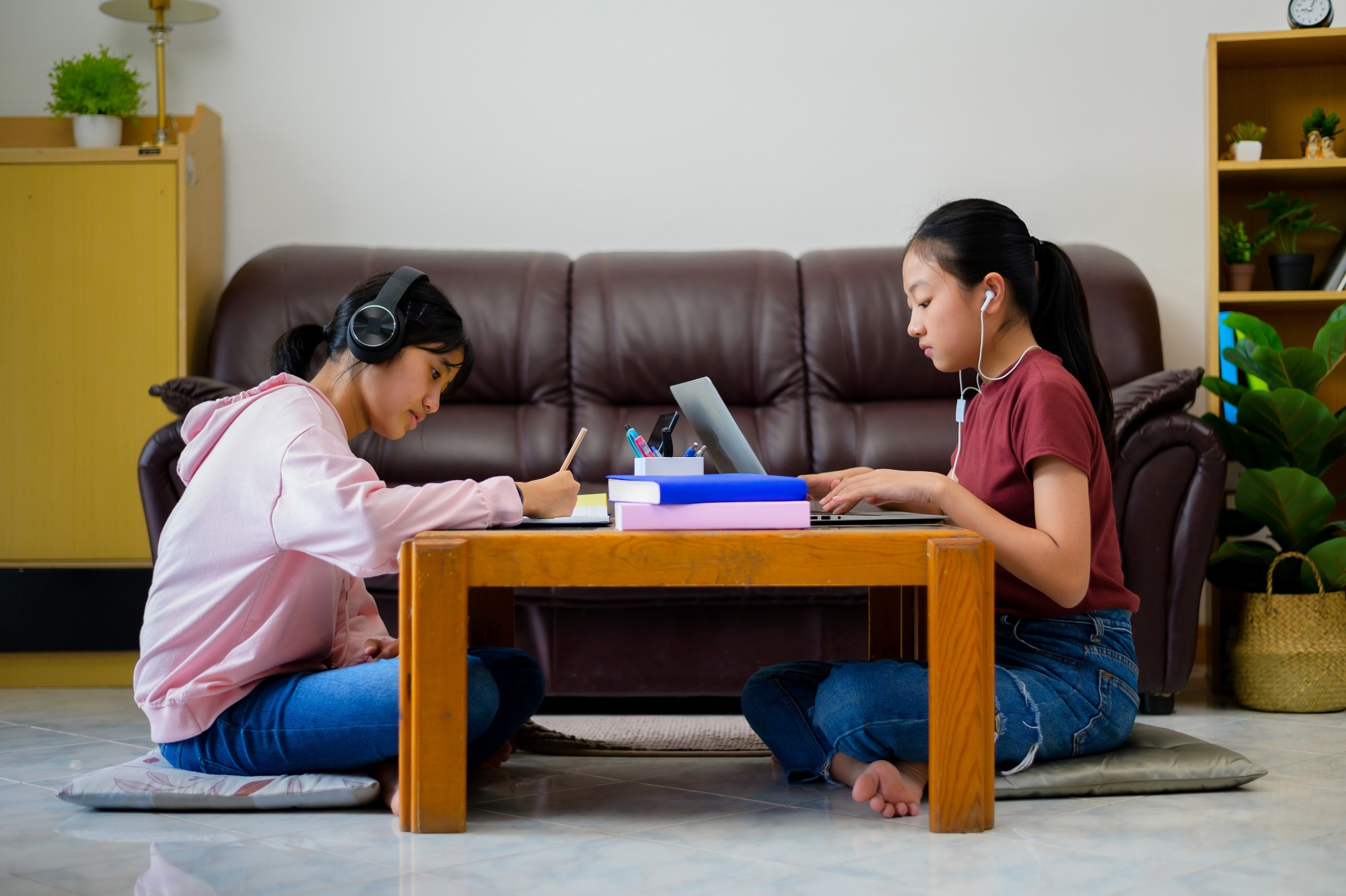 Reduce educational materials, increase pastoral care to reduce e-learning  stress, say psychologists - Education Technology